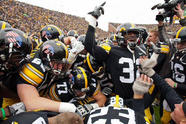 Michigan State vs. Iowa - 12-05-2015 Free Pick & CFB Handicapping Lines Preview