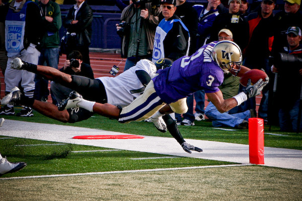 2016 Washington Huskies Predictions & NCAA Football Gambling Odds